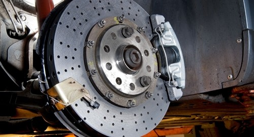 The Model 1140 determines the compressibility of road vehicle brakes.